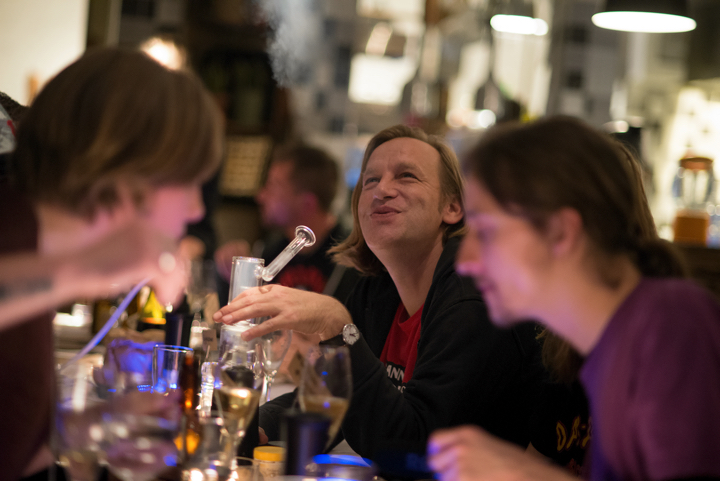 "Vaping and smiling at the Green House Kitchen's ""Vape & Dine"" concept meal in Amsterdam"