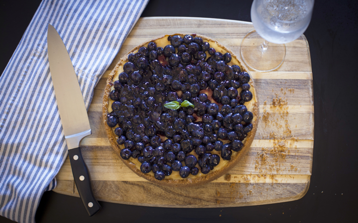 Cannabis-infused blueberry cheesecake: final product