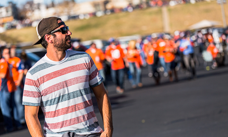 Former NFL player Nate Jackson at a tailgate party for the Denver Broncos game with Leafly