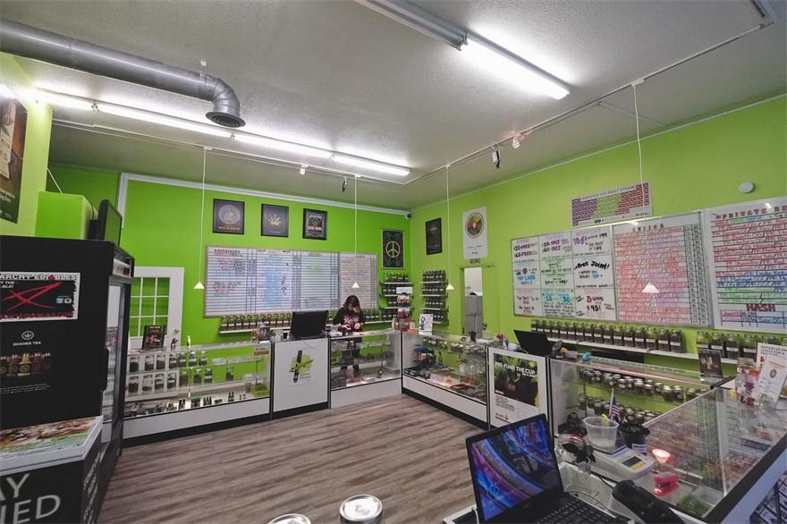 Sunset Herbal Corner cannabis dispensary in Los Angeles, CA