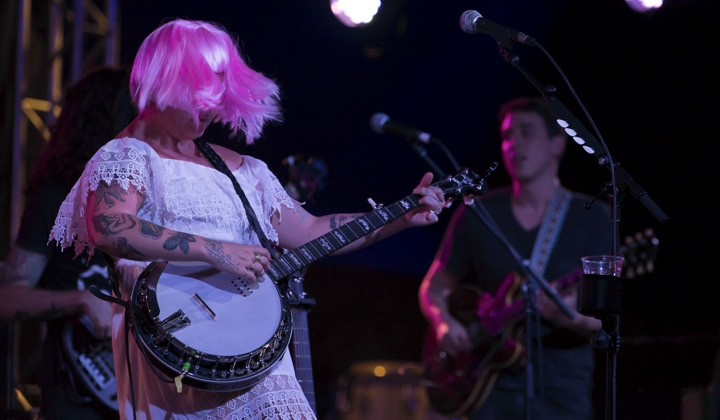 Elle King (photo via Bruce)