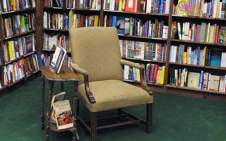 Tattered Cover Bookstore in Denver, Colorado (photo via bookchen)